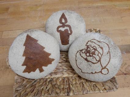 Brot im Weihnachtslook
