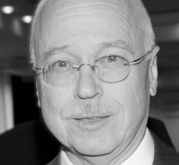 Dr. Eberhard Groebel †